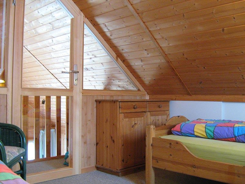 Die ausstattung des ferienhauses in - Schlafzimmer dachgeschoss ...